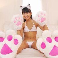 【大阪発】 猫型ジュニアアイドル、香月杏珠(11)の股間が開きすぎてるけど、大丈夫?