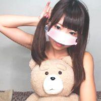 【無修正 素人】アイドル級天然ロリ顔美少女がライブチャットで疑似フェラエロ配信、