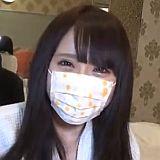 安心してください、マスクはすぐ取りますから・・・