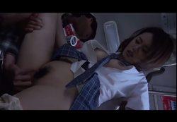 (モザ無)捕まった10代小娘☆☆ BUSの中は飢えた男たちの巣だった。