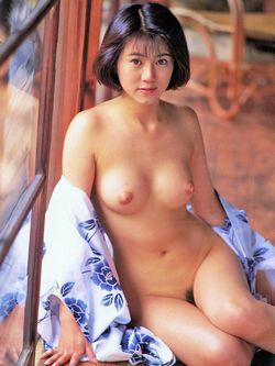 浴衣をはだけた日吉亜衣(ひよしあい)